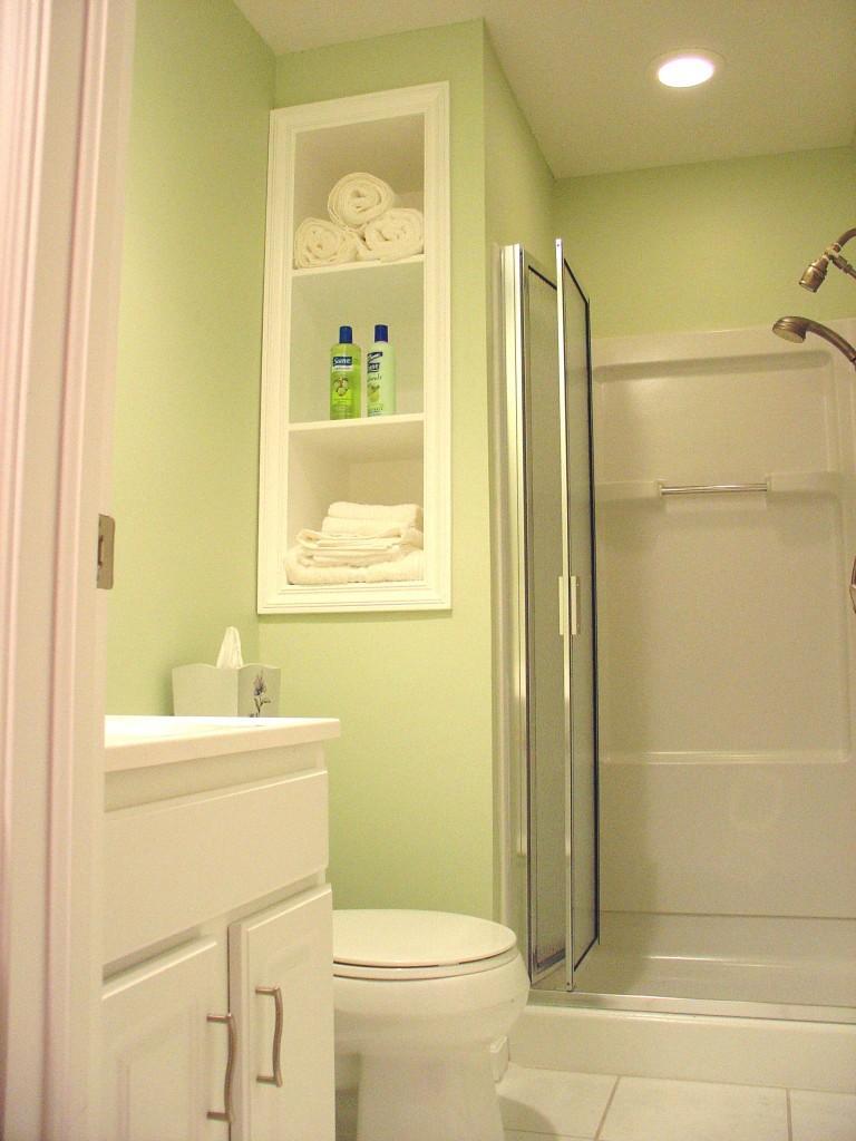 decoracao gesso banheiro : decoracao gesso banheiro:Para o banheiro pequeno, os nichos de gesso na parede resolvem o