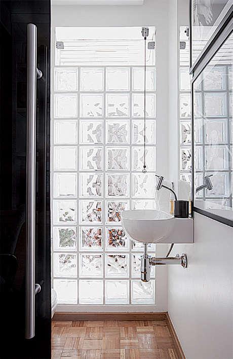 Tijolos de vidro na decoração  Minha casa, minha cara -> Decoracao Com Tijolo De Vidro No Banheiro