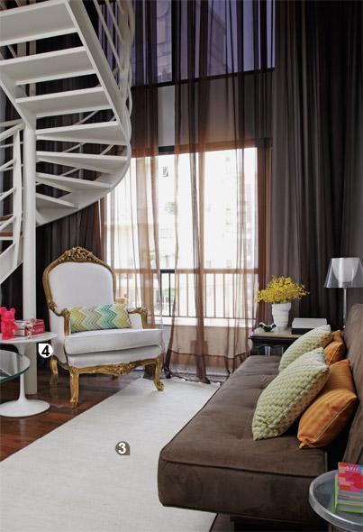 revista decoracao para ambientes pequenos : revista decoracao para ambientes pequenos: meio cá meio lá servindo de acessório decorativo na sala de estar
