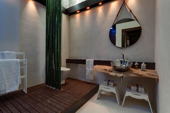 60-banho-na-mata-suite-casa