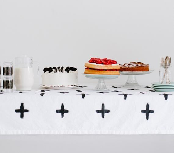 painted-tablecloth-w-txt