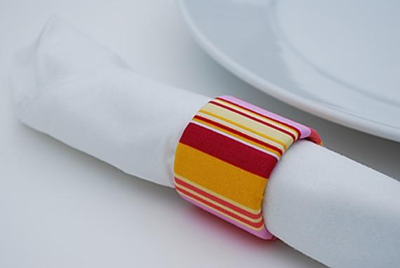 recycled-fabric-napkin-rings-from-saran-wrap-tubes