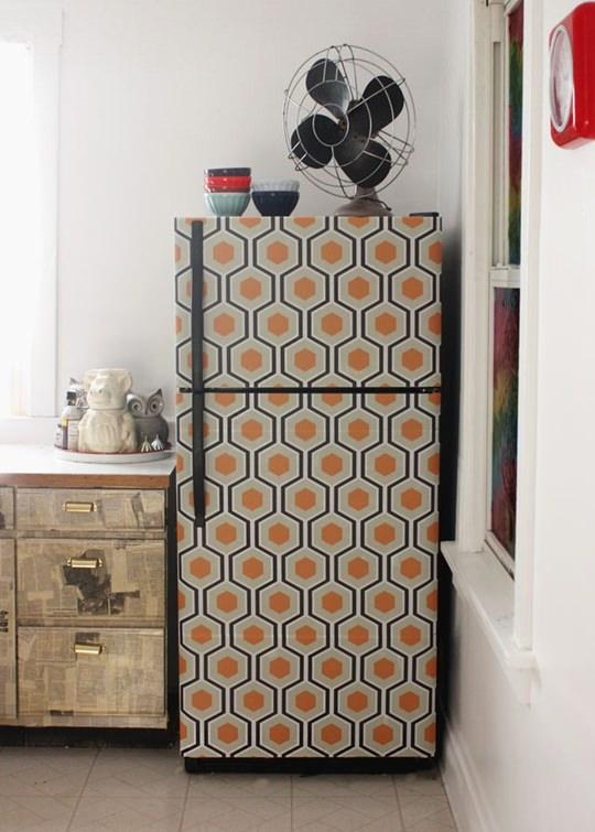 Amazing-DIY-Wallpapered-Fridge_mini