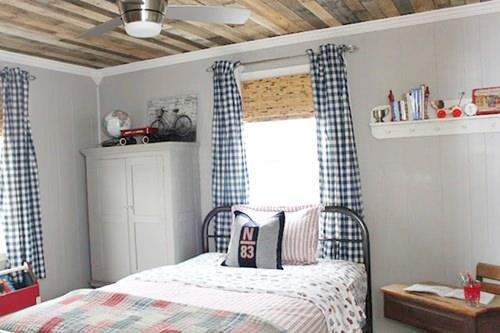 pallet-ceiling-tutorial-rustic-boys-room2_mini