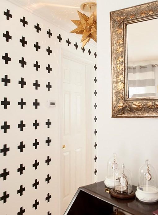 white_wall_with_black_crosses3_mini