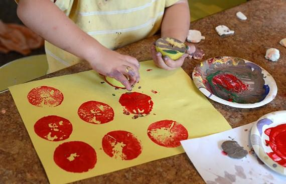 halloween fall apple stamp painting craft for kids art_mini