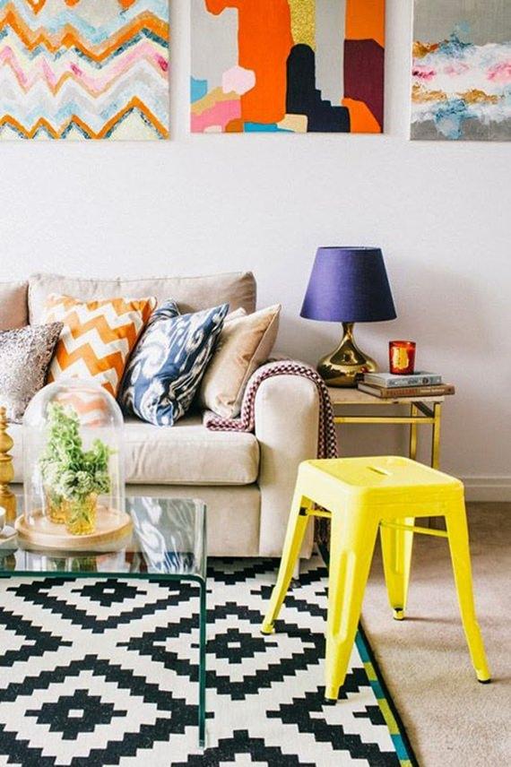 sala de estar com mix de estampas