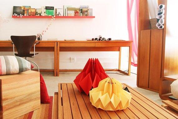 Sala com escritório integrado
