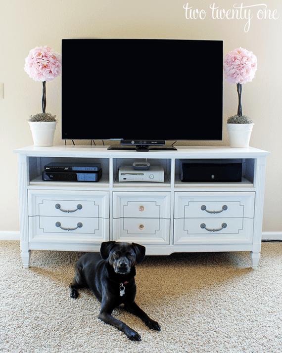 Substitua o rack pela cômoda na sala de TV!