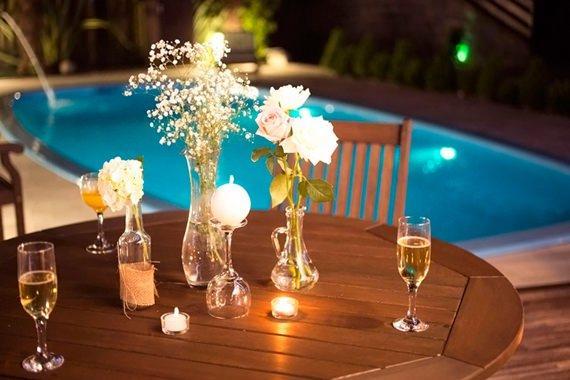 Varie nos arranjos de flor para decorar a mesa do Ano Novo