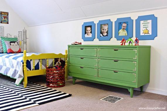 Móveis coloridos deixam quarto de criança alegre e cheio de vida