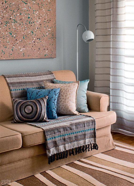 Transforme o visual do seu sofá com a ajuda das mantas
