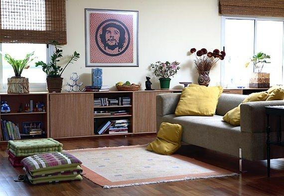 Sala de estar com futon turco
