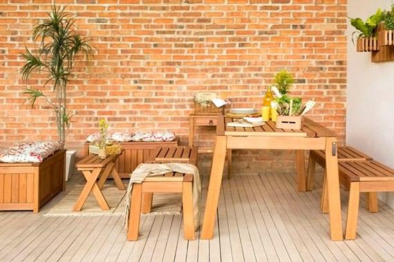 Móveis de madeira para a churrasqueira