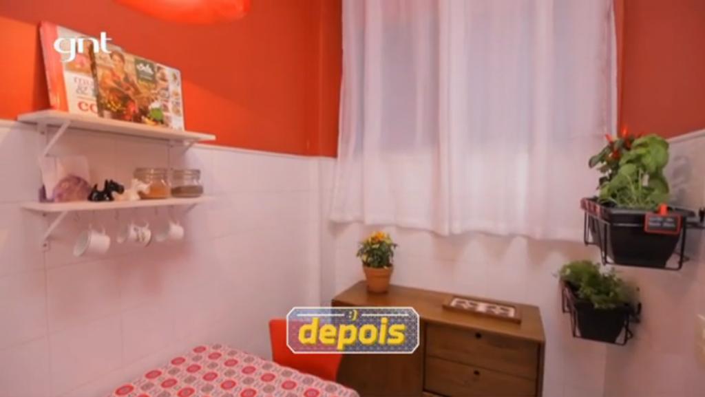 Cozinhapequena-santaajuda-balcaocharme-prateleirabrisa