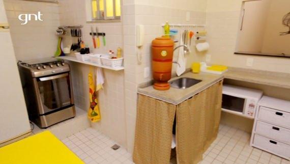 Cozinha americana com móveis MMM no Santa Ajuda