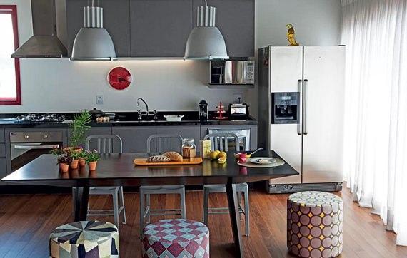 Cozinha moderna com armários cinzas
