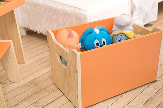 Organizando os brinquedos das crianças