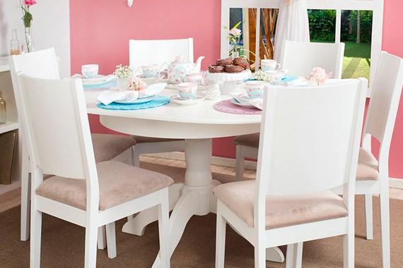 Tapete Sala De Jantar Mesa Redonda ~ com detalhes femininos! A Estante Nativa fazendo as vezes de