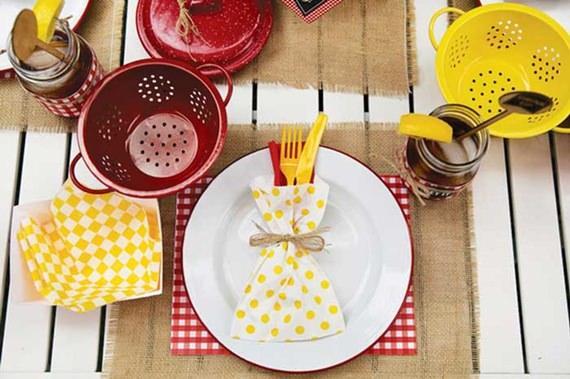 Chá de panela amarelo e vermelho