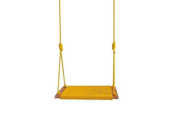 Balanço amarelo